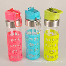 Eco-friendly safe carrying cycling glass water bottle with silicone sleeve